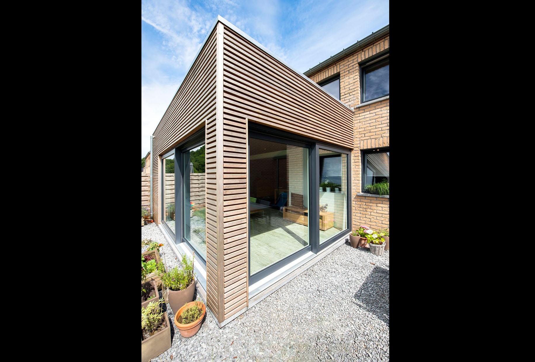 extension d 39 une habitation li ge. Black Bedroom Furniture Sets. Home Design Ideas